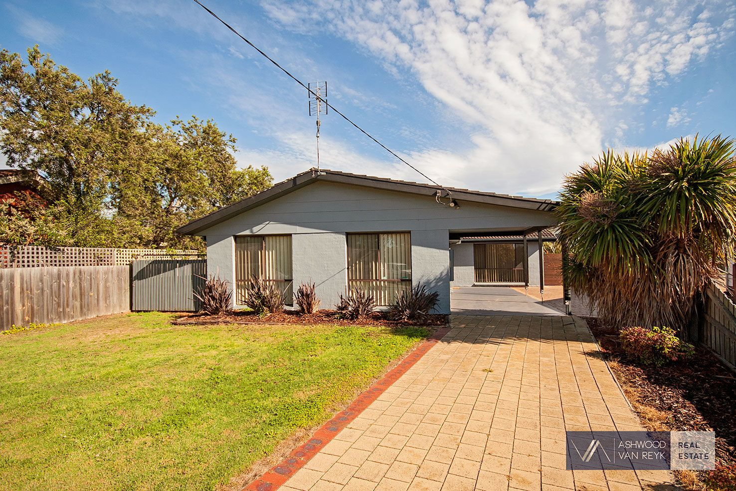 8 White Ct, Eagle Point VIC 3878, Image 0