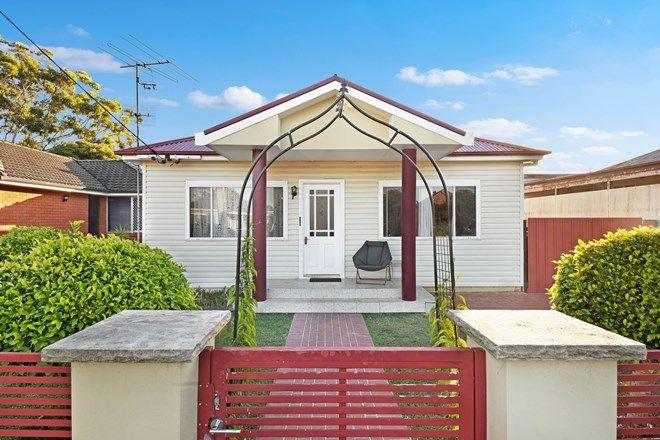 Picture of 35 Barrenjoey Road, ETTALONG BEACH NSW 2257