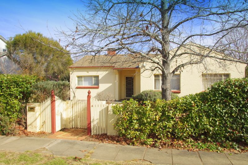 6 Lindsay Street, Griffith ACT 2603, Image 2