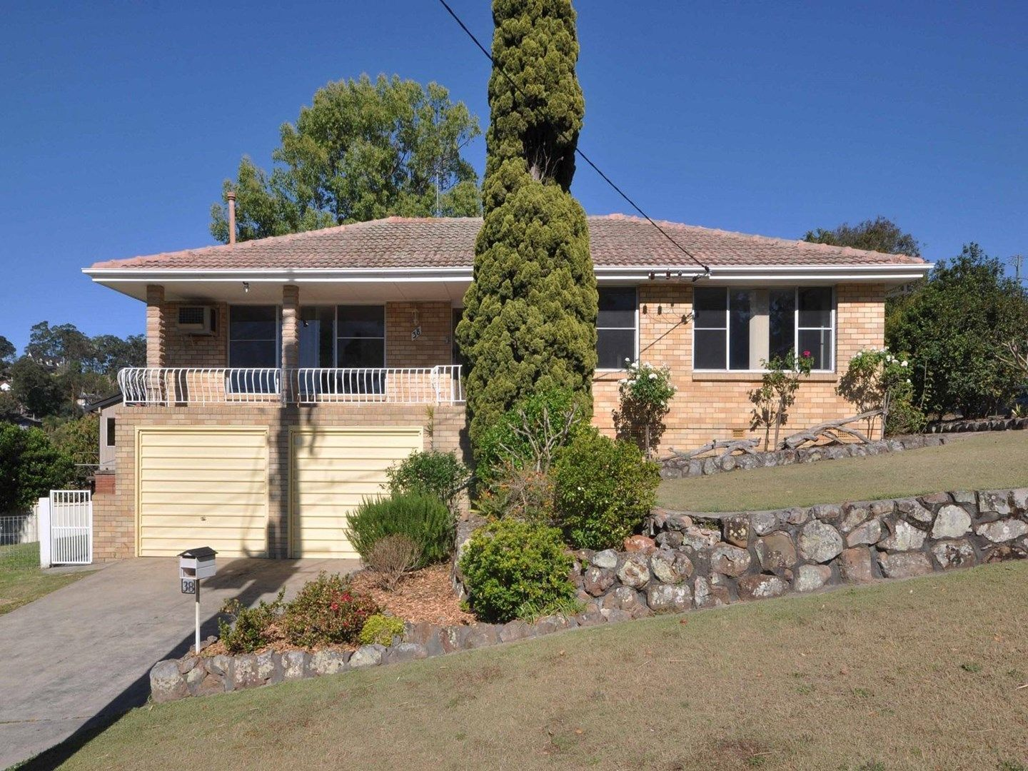 38 Granada Avenue, Macquarie Hills NSW 2285, Image 0