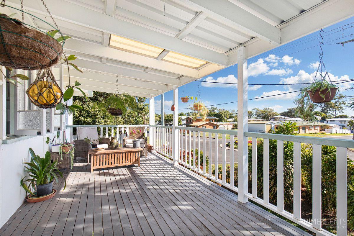 221 Cypress Street, Urangan QLD 4655, Image 2