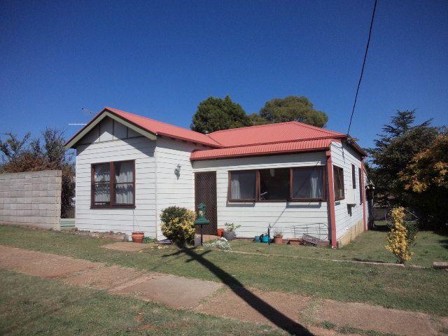 33 Bradley Street, Cooma NSW 2630, Image 0