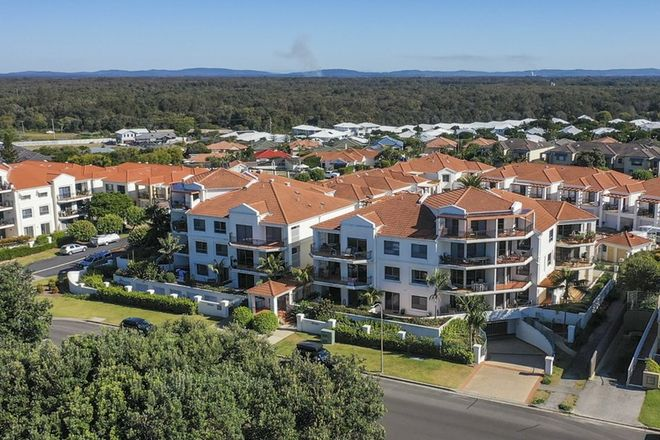 Picture of 1/11 -18 Pacific Parade, YAMBA NSW 2464