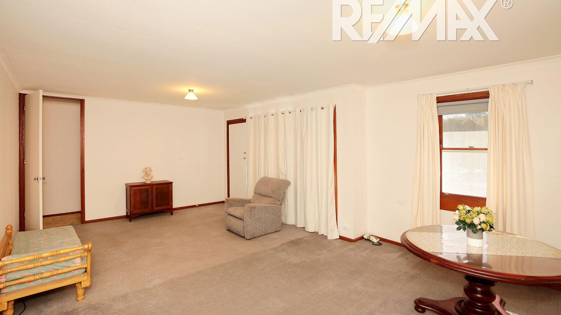 31 Ziegler Avenue, Kooringal NSW 2650, Image 2