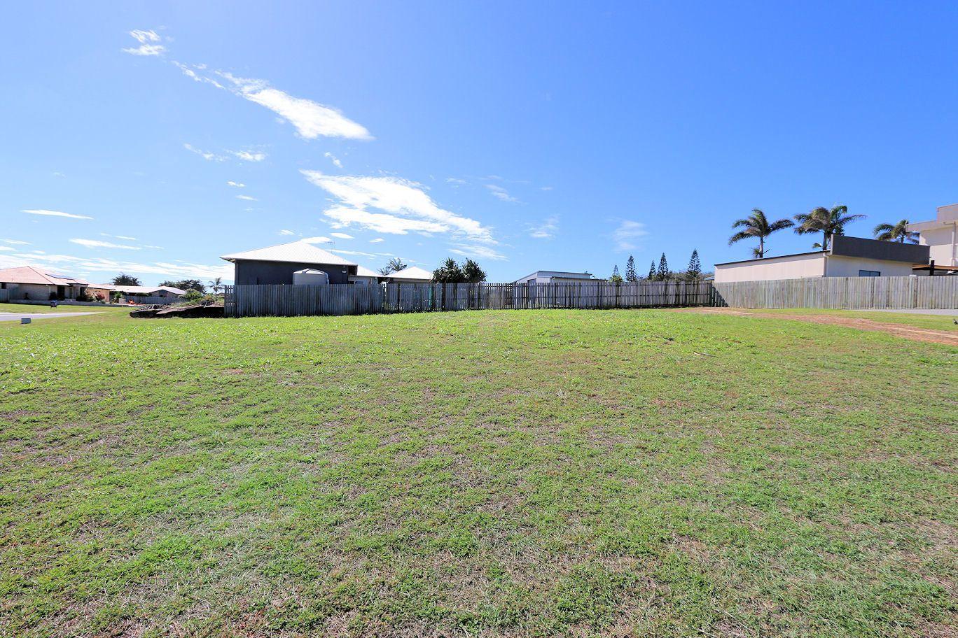 16 Mokera St, Coral Cove QLD 4670, Image 1