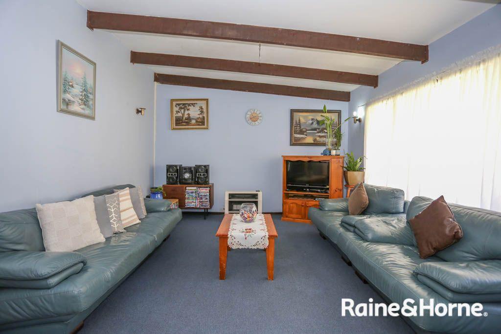 28 Lambert Street, Bathurst NSW 2795, Image 2
