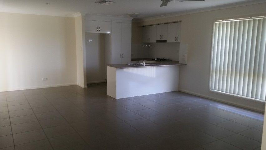 28 Warragrah Place, Parkes NSW 2870, Image 2