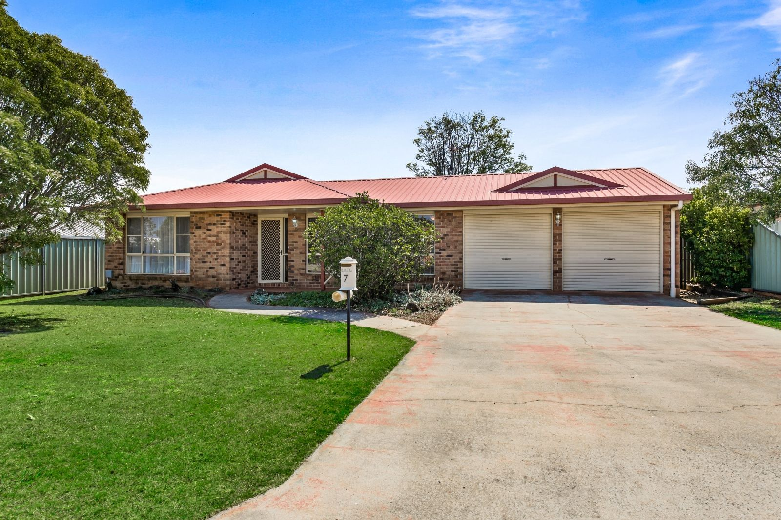 7 Connole  Court, Kearneys Spring QLD 4350, Image 0