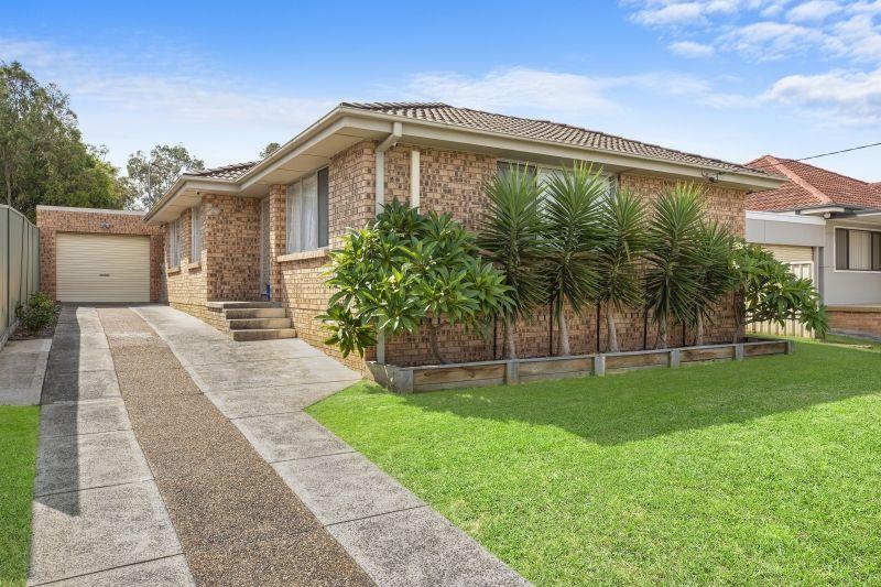 25 Phyllis Avenue, Kanwal NSW 2259, Image 0