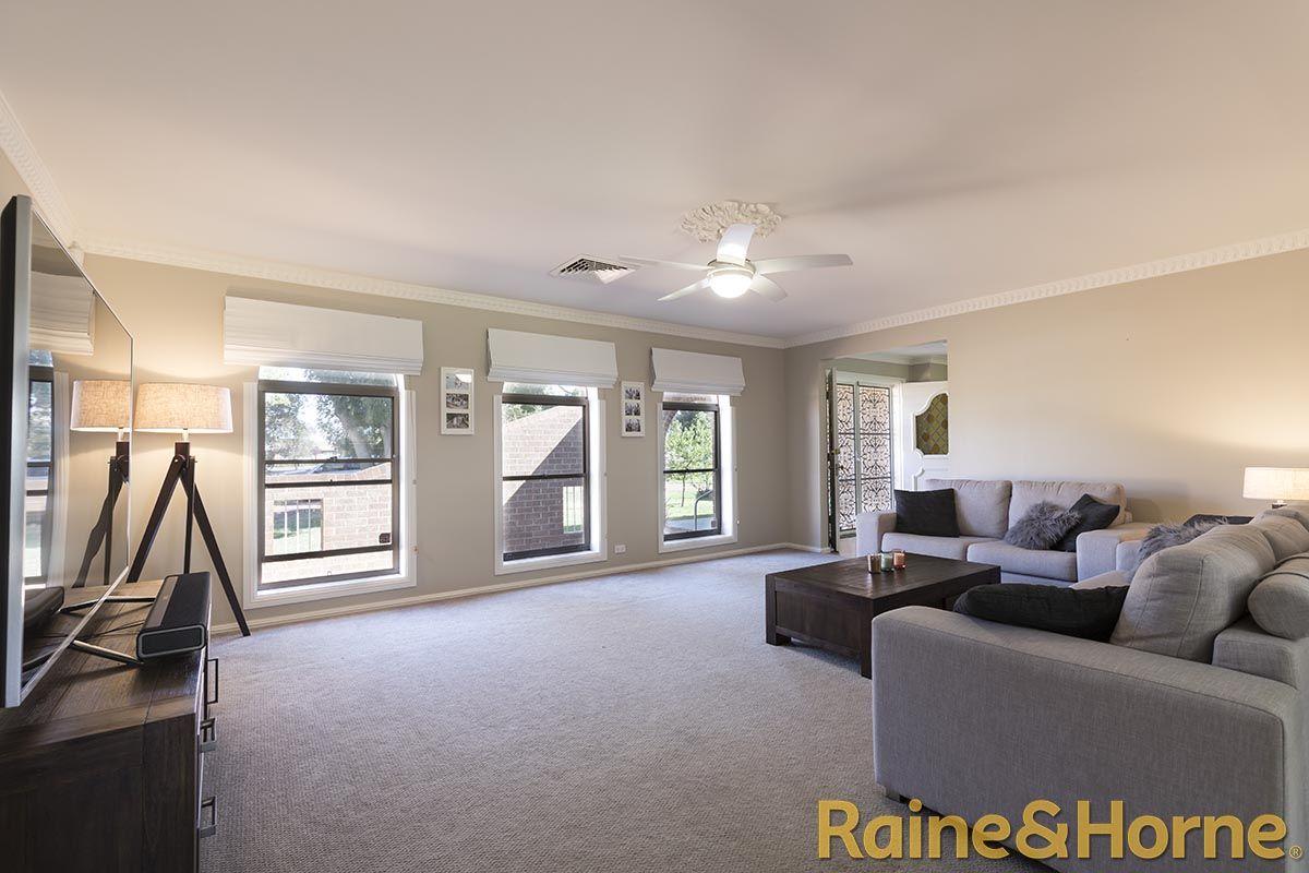 15 Kent Place, Dubbo NSW 2830, Image 2