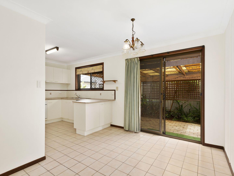 6 Burrinjuck Drive, Coombabah QLD 4216, Image 2