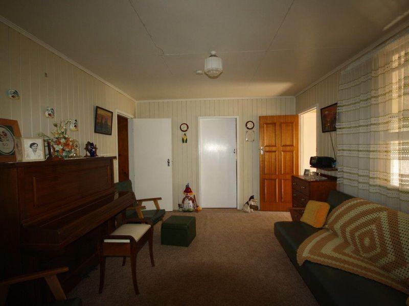 3 Jardine Street, Monto QLD 4630, Image 2