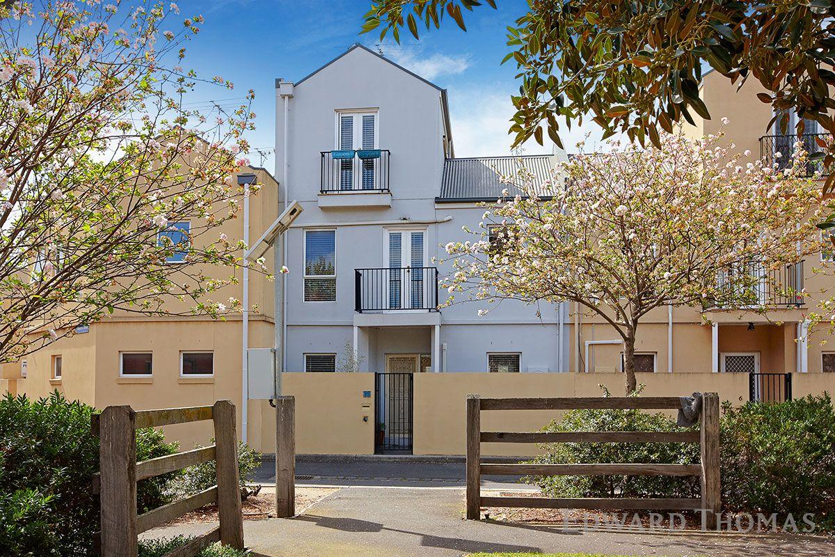 8 Lascelles Square, Kensington VIC 3031, Image 0
