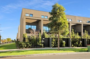 Picture of 1 Ulmara Parkway, Maidstone VIC 3012
