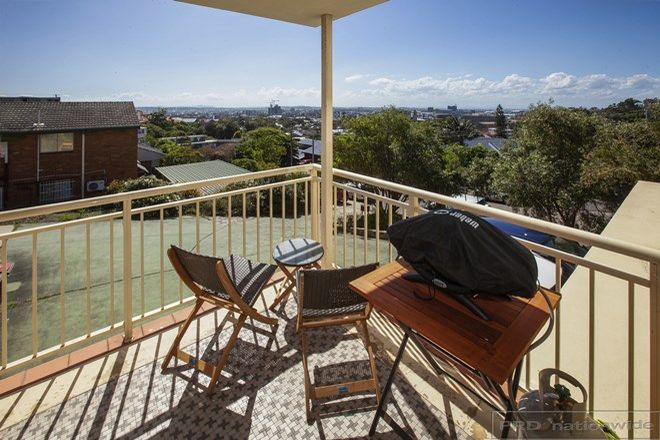 Picture of 2/22 Hillview Crescent, THE HILL NSW 2300