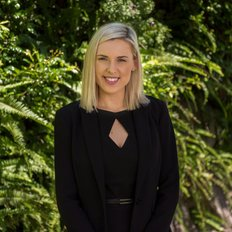 Lauren Ellis, Sales representative