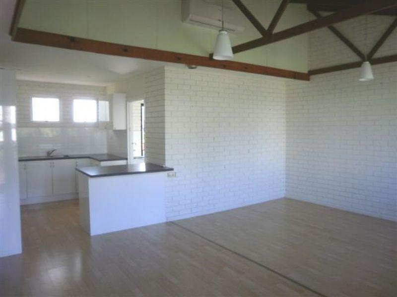 2/34 Regent Street, Caloundra QLD 4551, Image 1