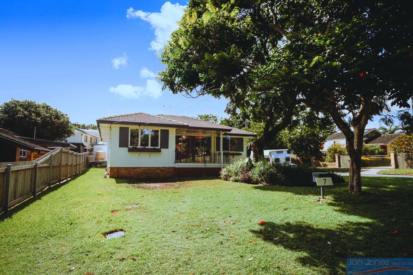 7 Newport St, Brighton QLD 4017, Image 2