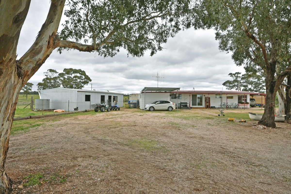 1716 Wedderburn-Boort Road, Wedderburn VIC 3518, Image 2