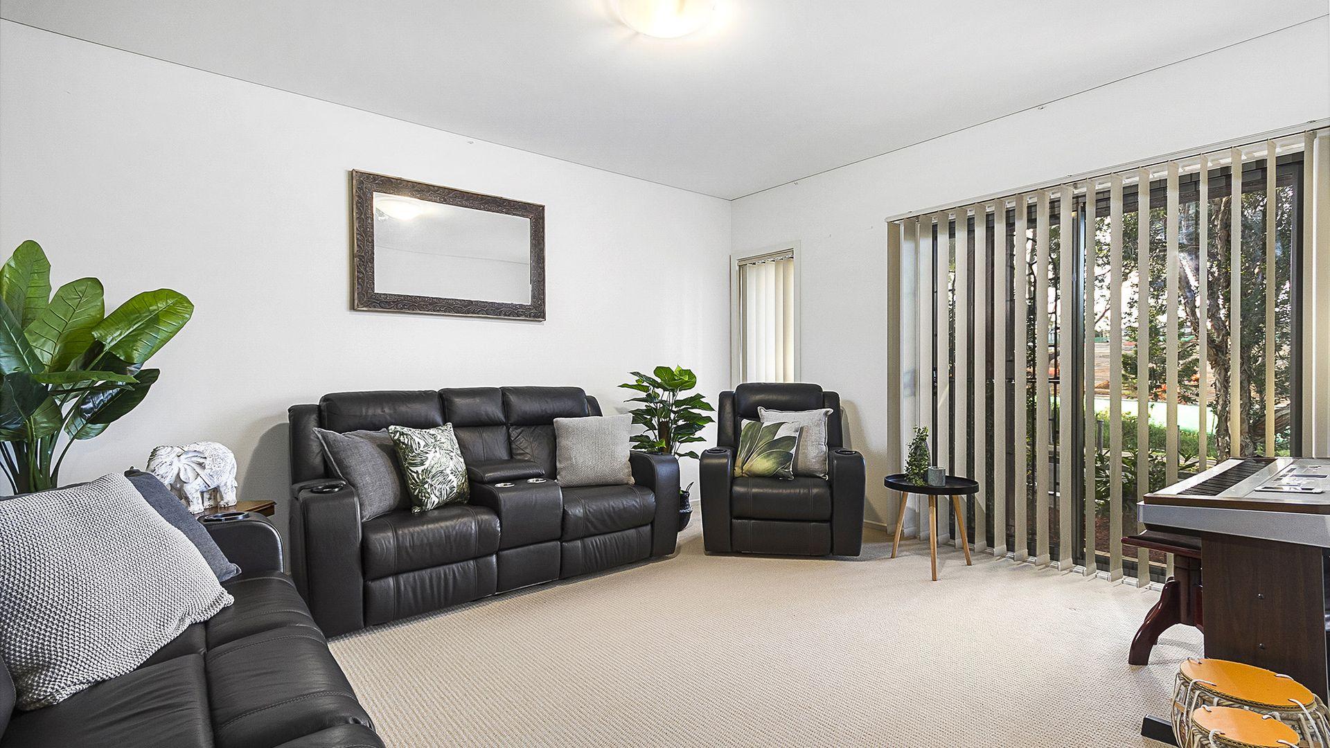11 Hayle Terrace, Stanhope Gardens NSW 2768, Image 2