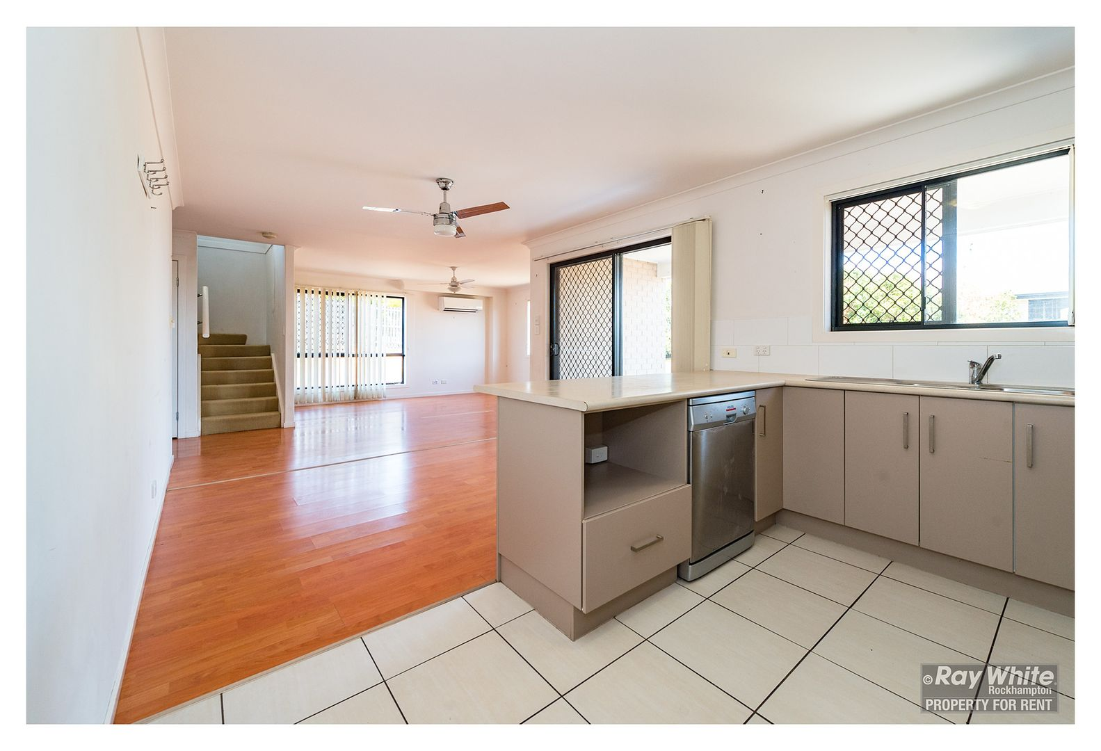 14 John Oxley Drive, Gracemere QLD 4702, Image 2