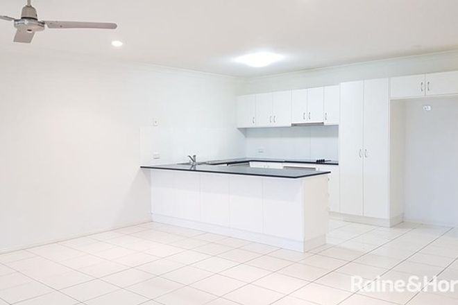 Picture of 2/72 Whitehaven Drive, BLACKS BEACH QLD 4740