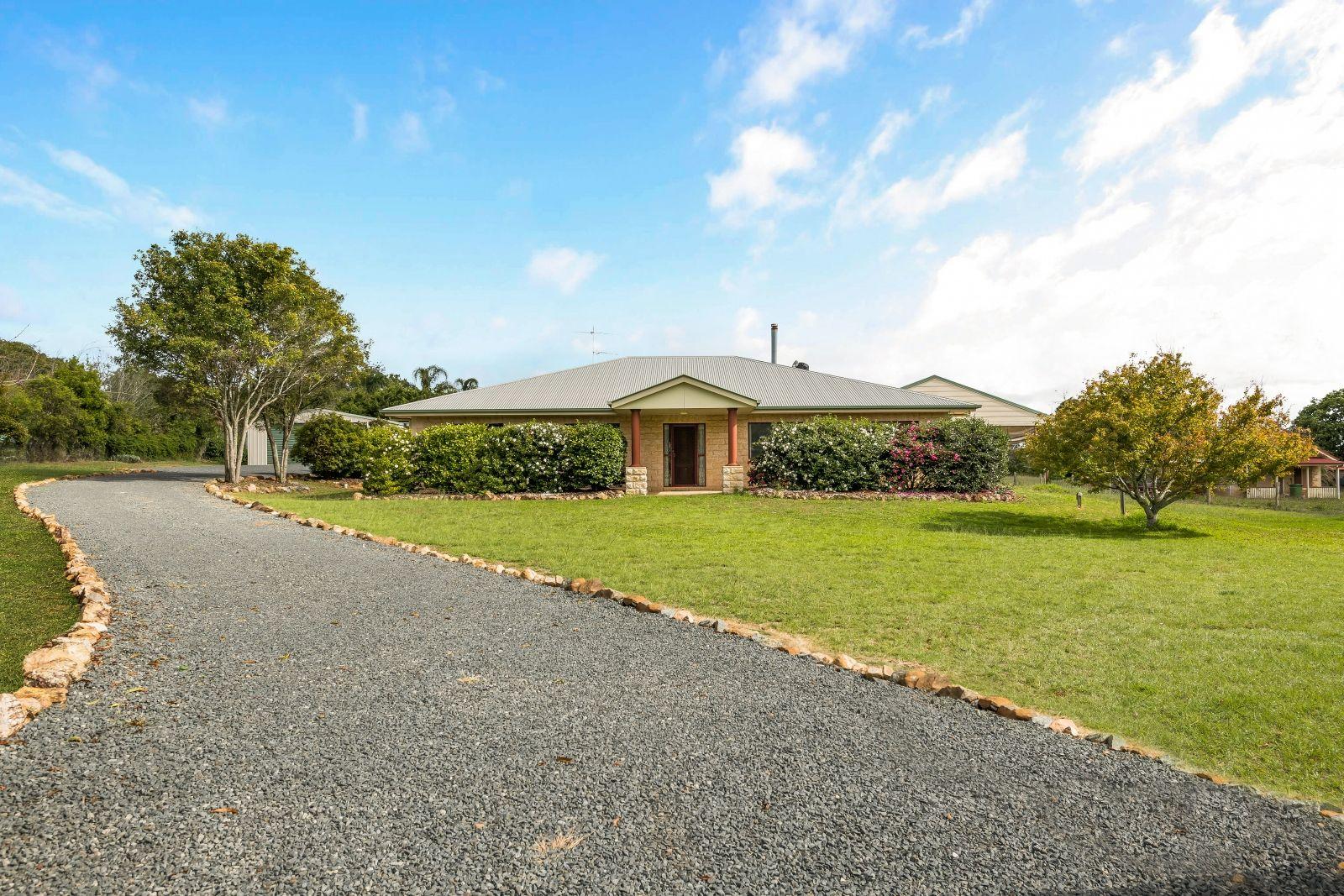 4 Melric Court, Geham QLD 4352