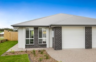 Picture of Unit 1 & 2 1 Templeton Court, Westbrook QLD 4350