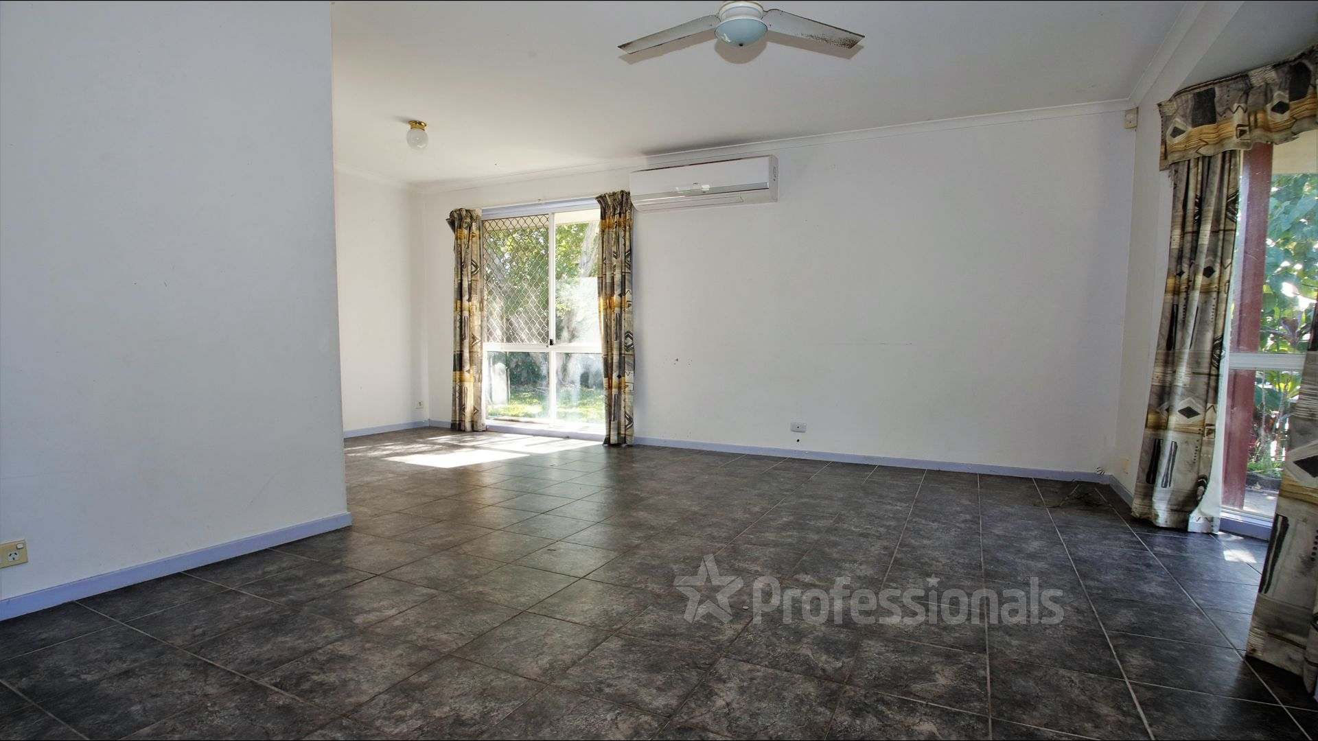 17 Ryan Street, Loganlea QLD 4131, Image 1