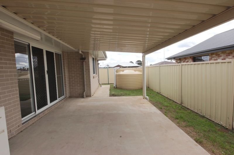 1/2 Debbie Court, Oakey QLD 4401, Image 2