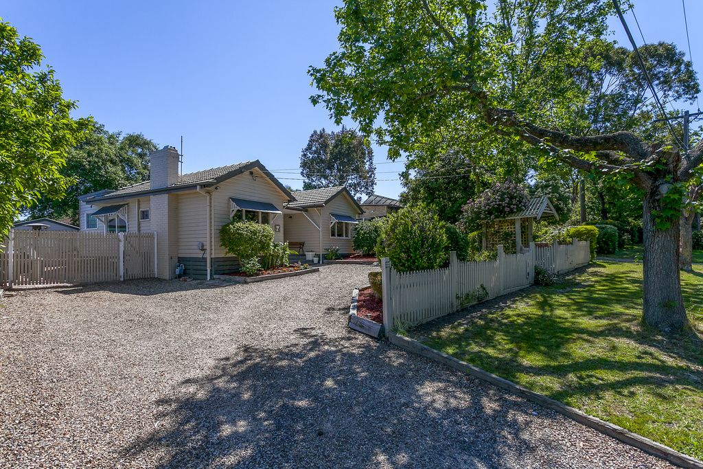 7 Ross Crescent, Heathmont VIC 3135, Image 1