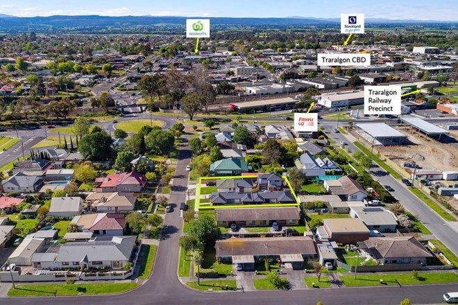 Picture of Unit 2/8 Thomas Street, TRARALGON VIC 3844