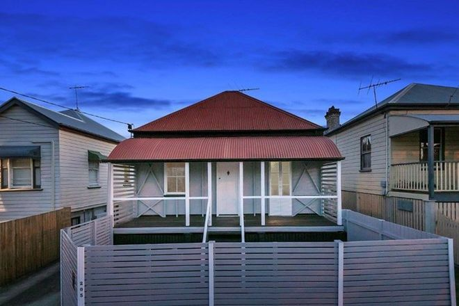 Picture of 205 Cornwall Street, GREENSLOPES QLD 4120