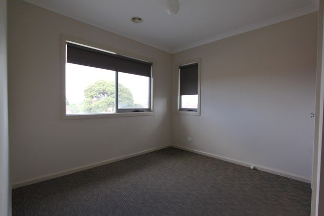 Picture of 2/32 Simpson Street, SUNSHINE NORTH VIC 3020