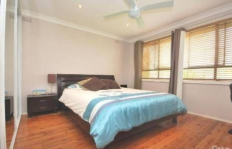 35 Kalora Avenue, Fairfield West NSW 2165, Image 2