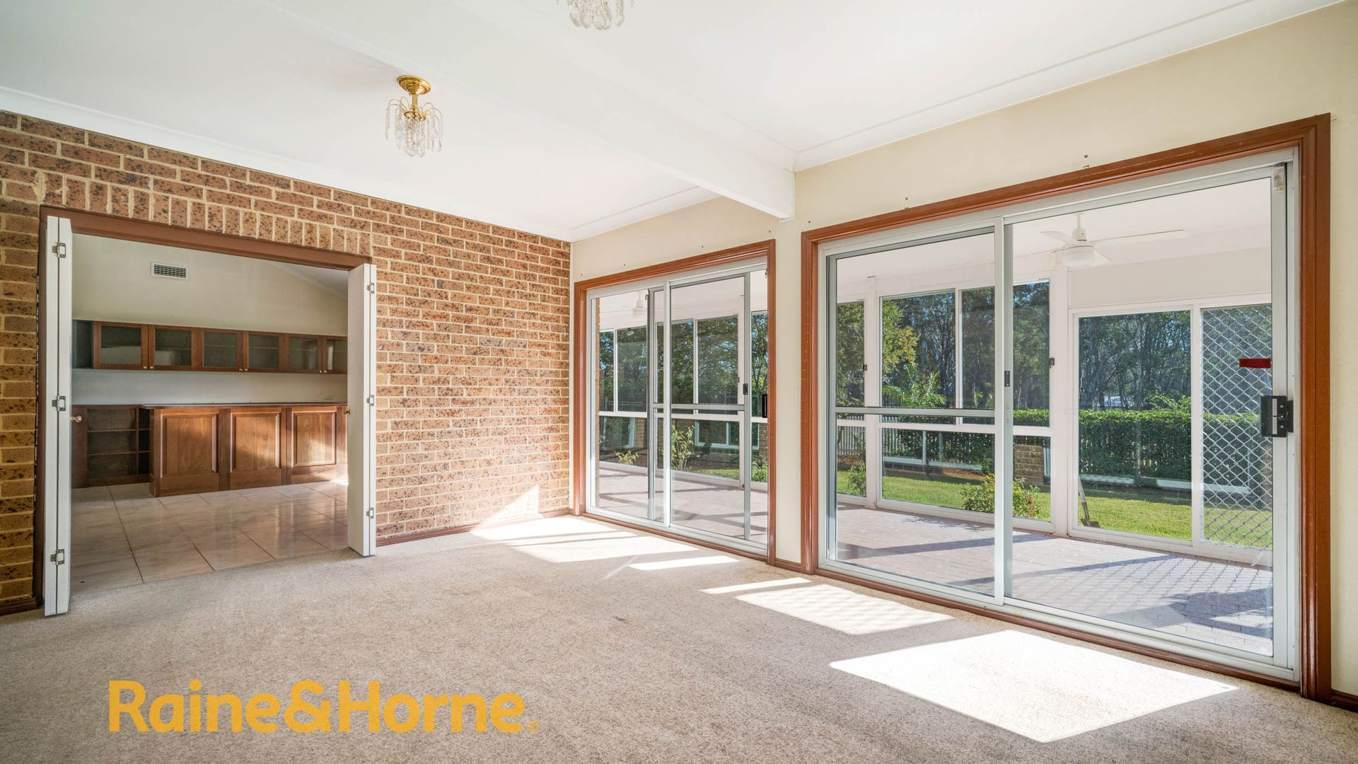 363-375 WENTWORTH ROAD, Orchard Hills NSW 2748, Image 2