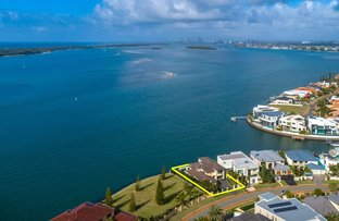 Picture of 42 King Charles Drive, Sovereign Islands QLD 4216