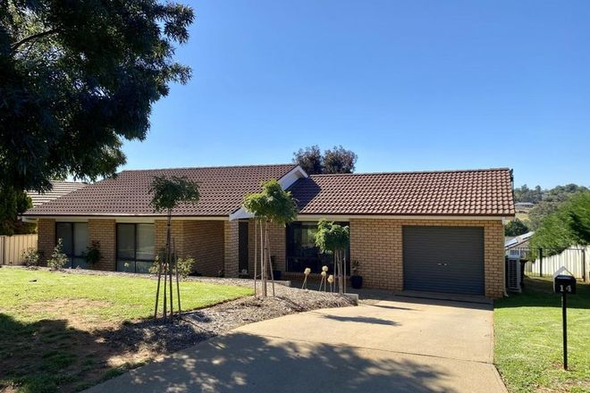 Picture of 14 Mathew Street, YOUNG NSW 2594