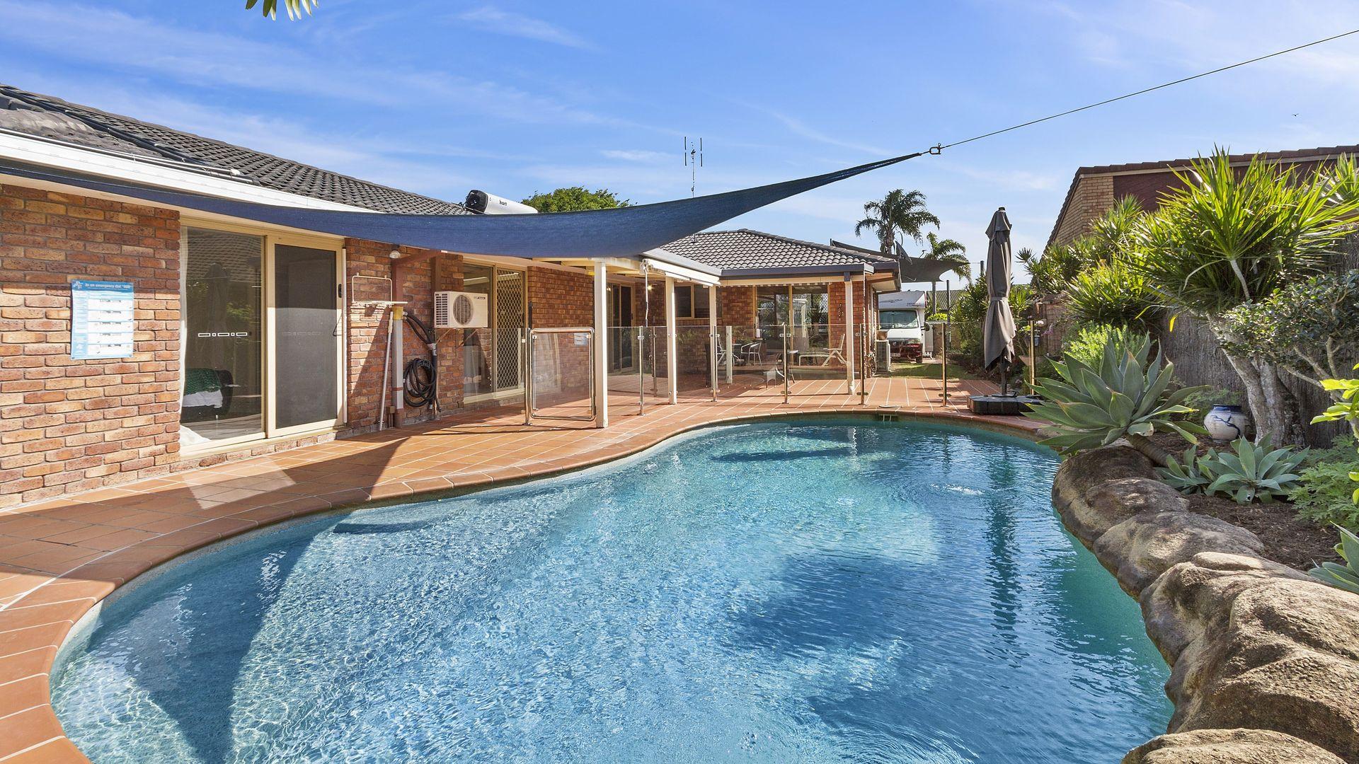 31 Sundown Drive, Paradise Point QLD 4216, Image 2