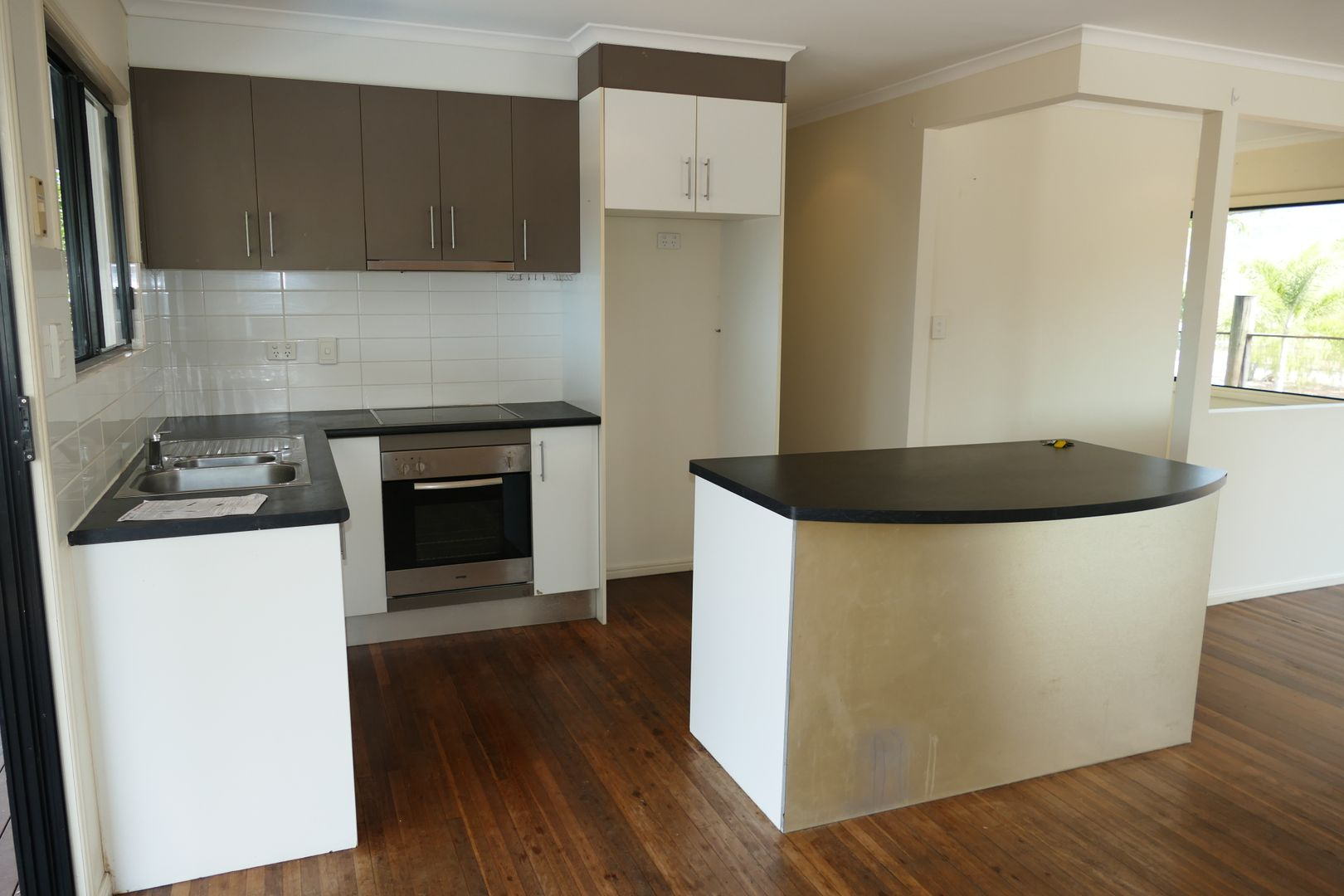 14 Leefe Street, Cardwell QLD 4849, Image 2