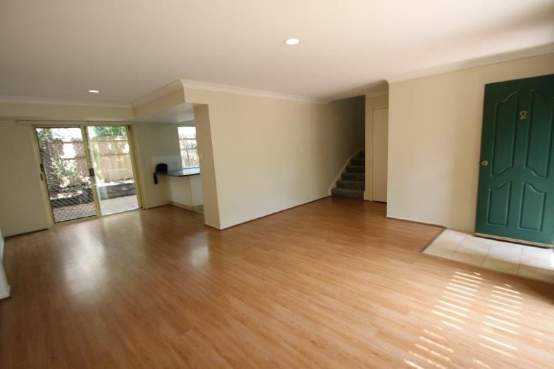 2/33 Ward Street, Southport QLD 4215, Image 2