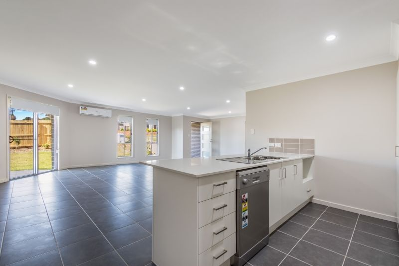 1/176 Handley Street, Darling Heights QLD 4350, Image 2