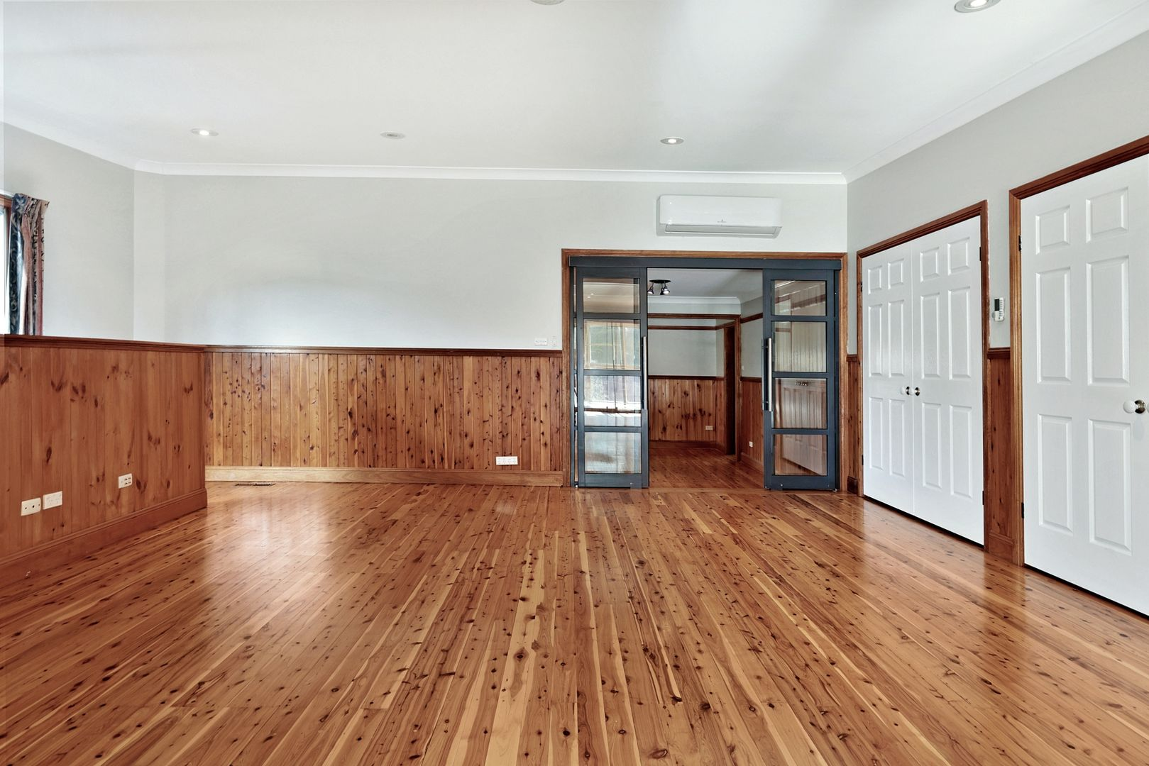 56 Mount View Avenue, Hazelbrook NSW 2779, Image 2
