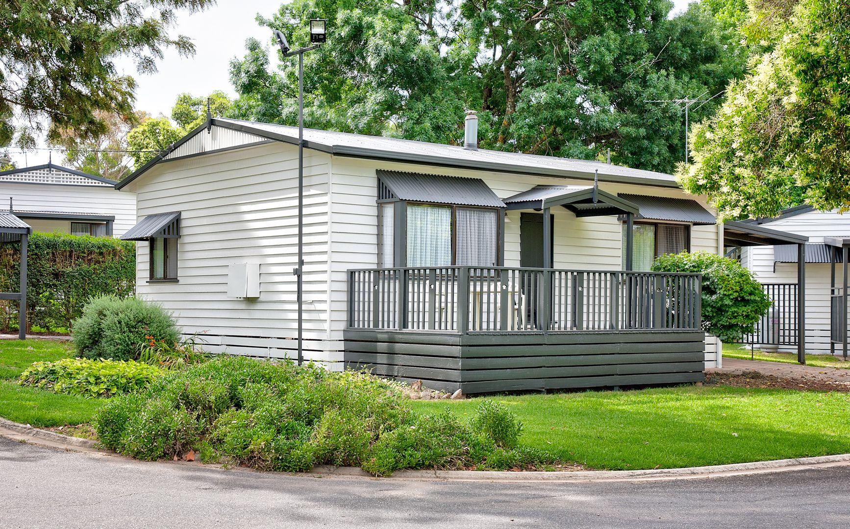 30 Whitebark Way, Lake Hume Village NSW 2640, Image 1