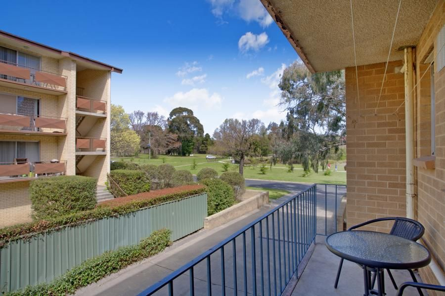 1/48 Trinculo  Place, Queanbeyan NSW 2620, Image 0