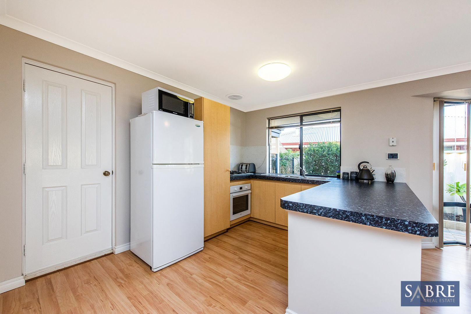 28 Narrier Close, South Guildford WA 6055, Image 2
