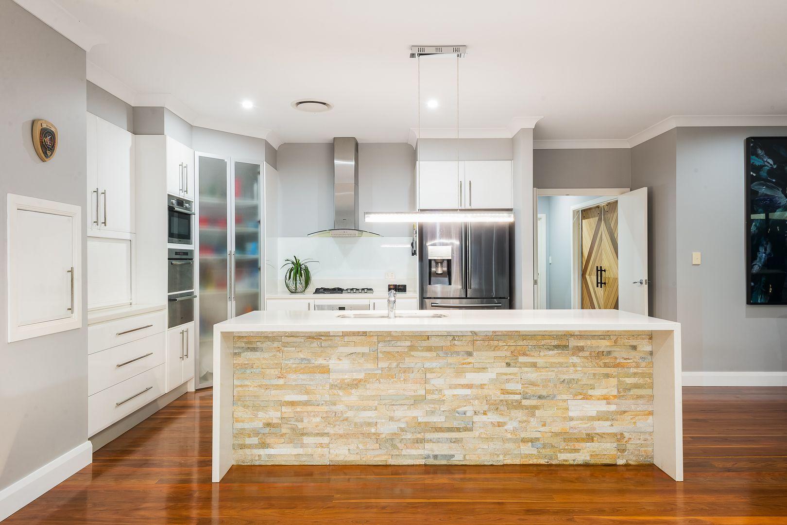 18 Ascot  Crescent, Samford Valley QLD 4520, Image 2