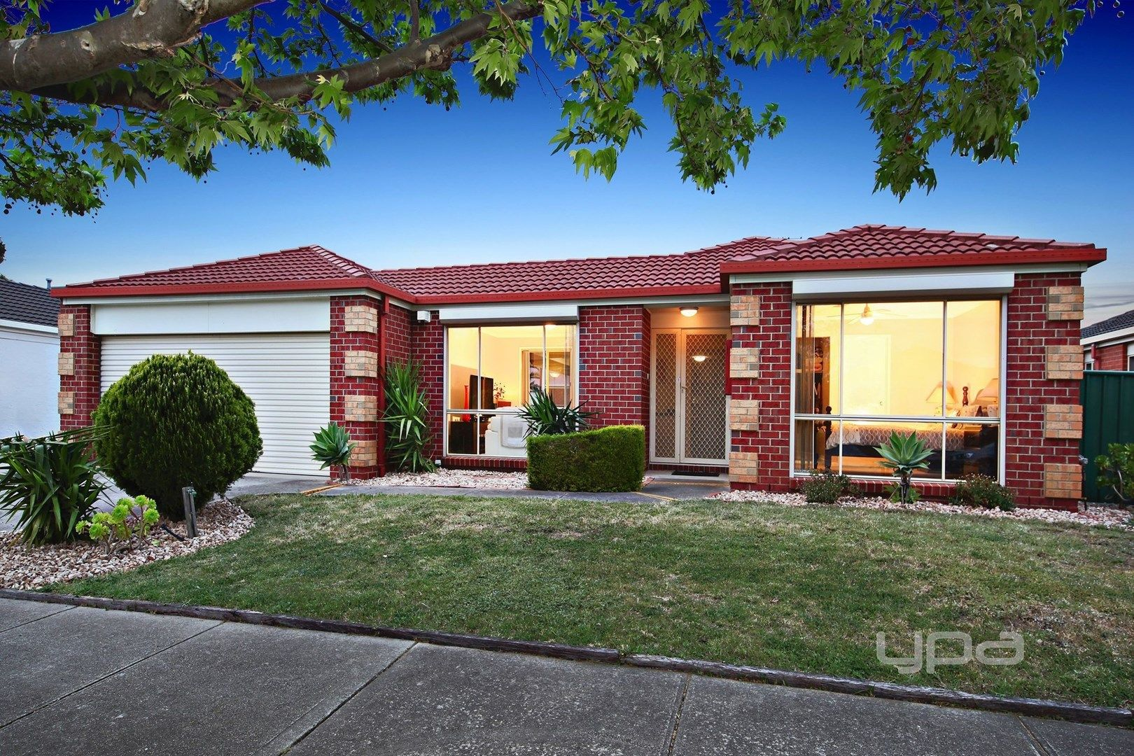 15 Roycroft Avenue, Burnside VIC 3023, Image 0