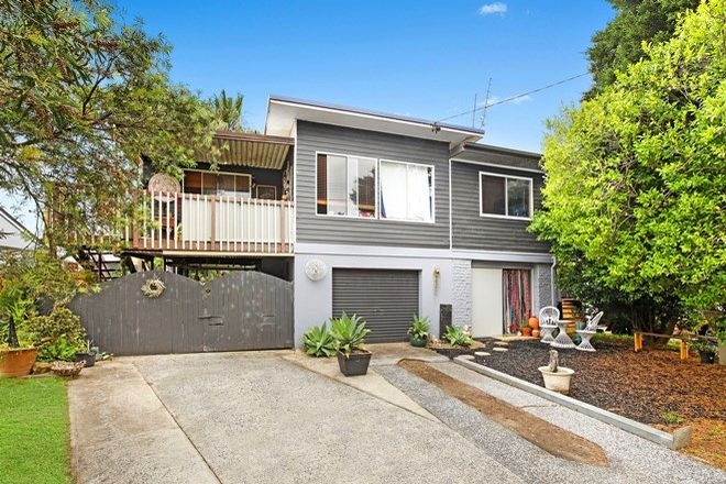 Picture of 31 Windsor Road, BERKELEY VALE NSW 2261