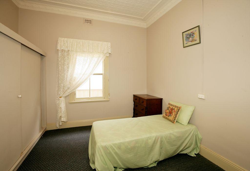 66 The Esplanade, Wagga Wagga NSW 2650, Image 2
